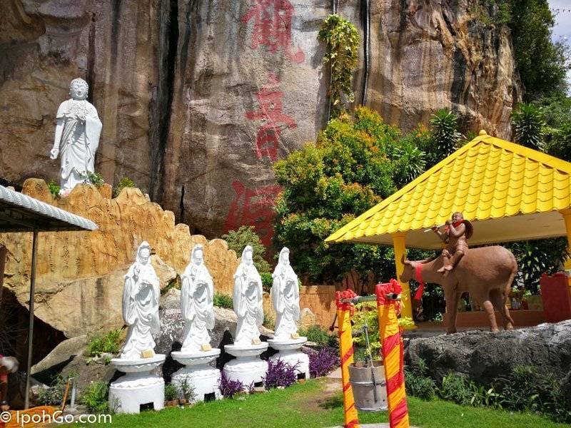 Kwan Yin Tong Cave Temple 10 of 17